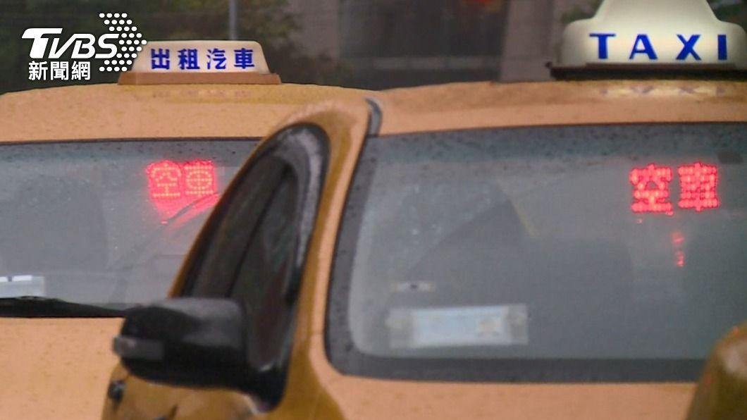 (圖/TVBS) 60歲男失業缺錢花用 持刀搶計程車被起訴