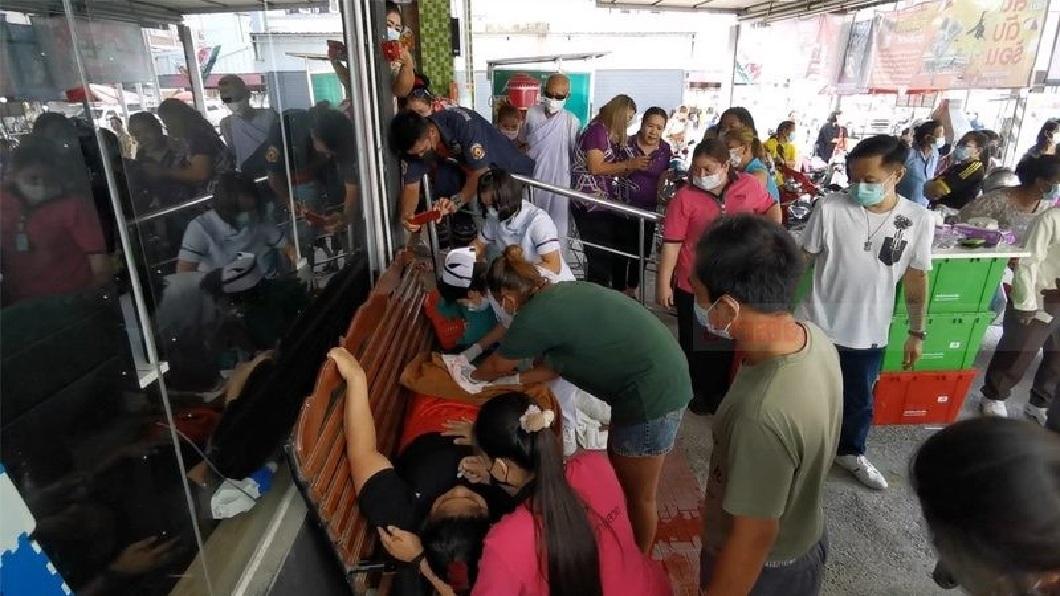 泰國一名少婦突然感到一陣腹痛,接著生下女嬰。(圖/翻攝自YouTube) 不知懷孕!泰25歲少婦卸貨7個月 突喊腹痛又產女娃