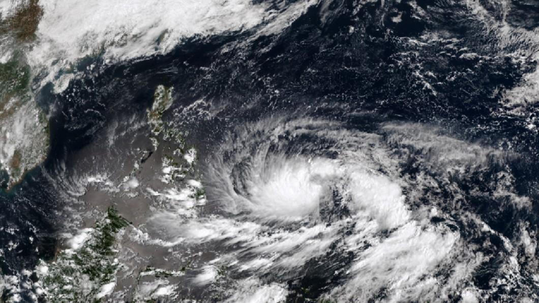 輕度颱風「舒力基」正在向北北西進行。(圖/翻攝自中央氣象局) 舒力基颱風多強多大都沒用 專家嘆:恐對台灣水情幫倒忙
