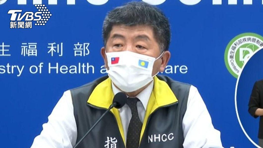 中央流行疫情指揮中心指揮官陳時中。(圖/TVBS) 4/15起調整檢疫措施 國籍抵台短程航班免隔離