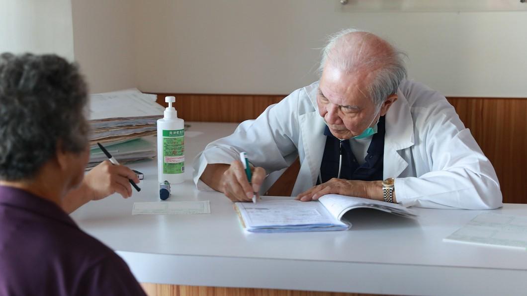 外科醫師許志新逝世,享壽84歲。(圖/中央社) 守護偏鄉醫療18年 醫師許志新辭世享壽84歲