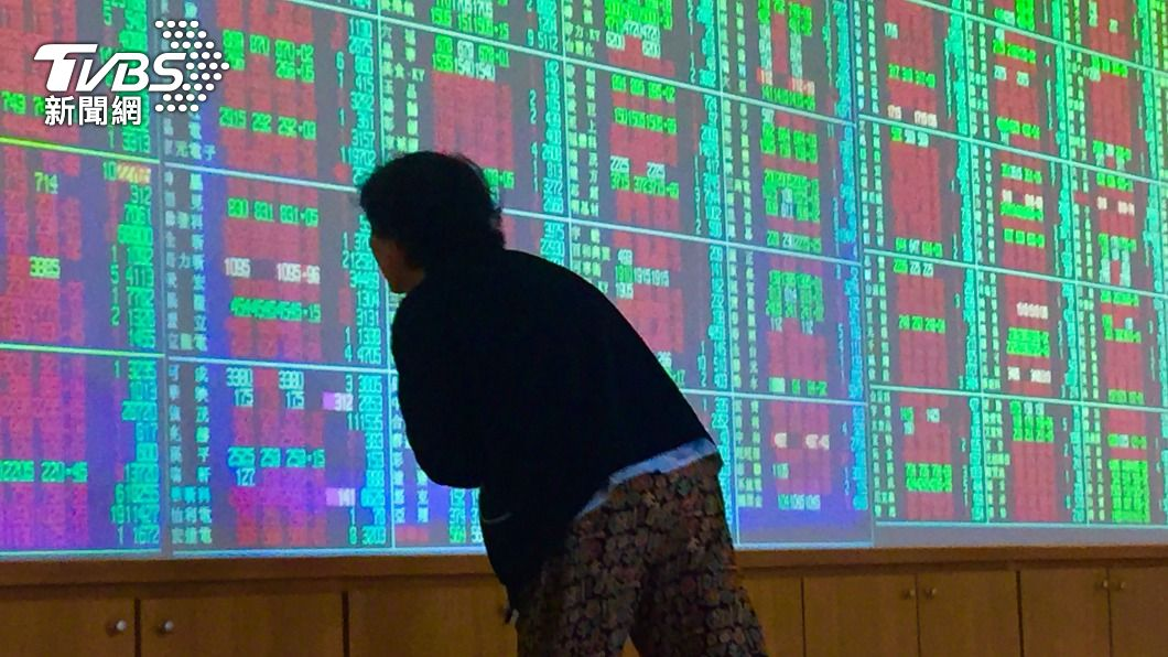 (圖/中央社) 台股反彈大漲290點 收最高17285點