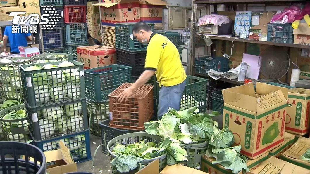 近日蔬果紙箱缺貨。(圖/中央社) 蔬果紙箱缺貨 農委會:近日3大紙廠將優先供應