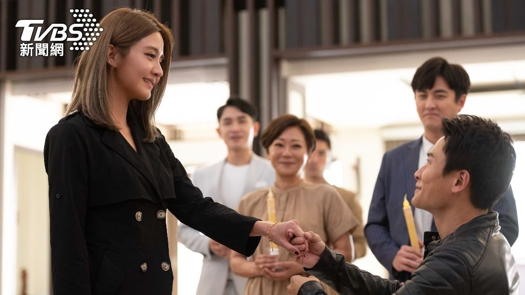 《女力報到》近日播出劇情高潮。(圖/TVBS) 李宣榕性情大變「主動獻吻」 王建復暈船認:想疼她