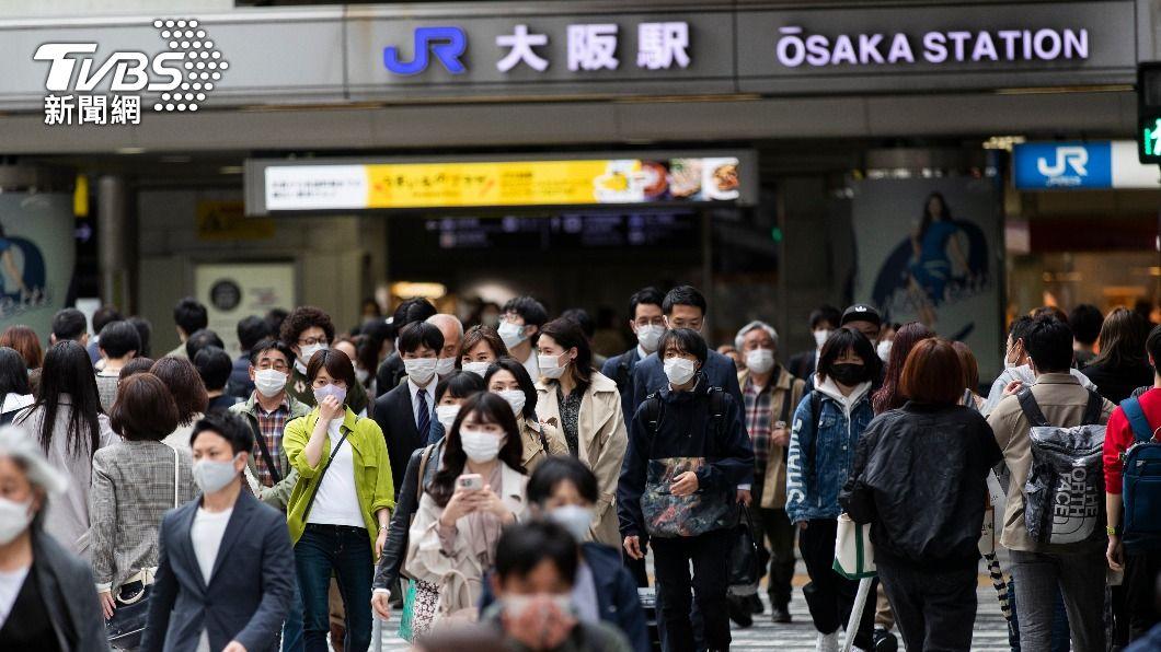 變異病毒株在大阪等關西地區蔓延。(圖/達志影像美聯社) 新冠肺炎變異病毒廣傳日本 大阪等關西地區達8成