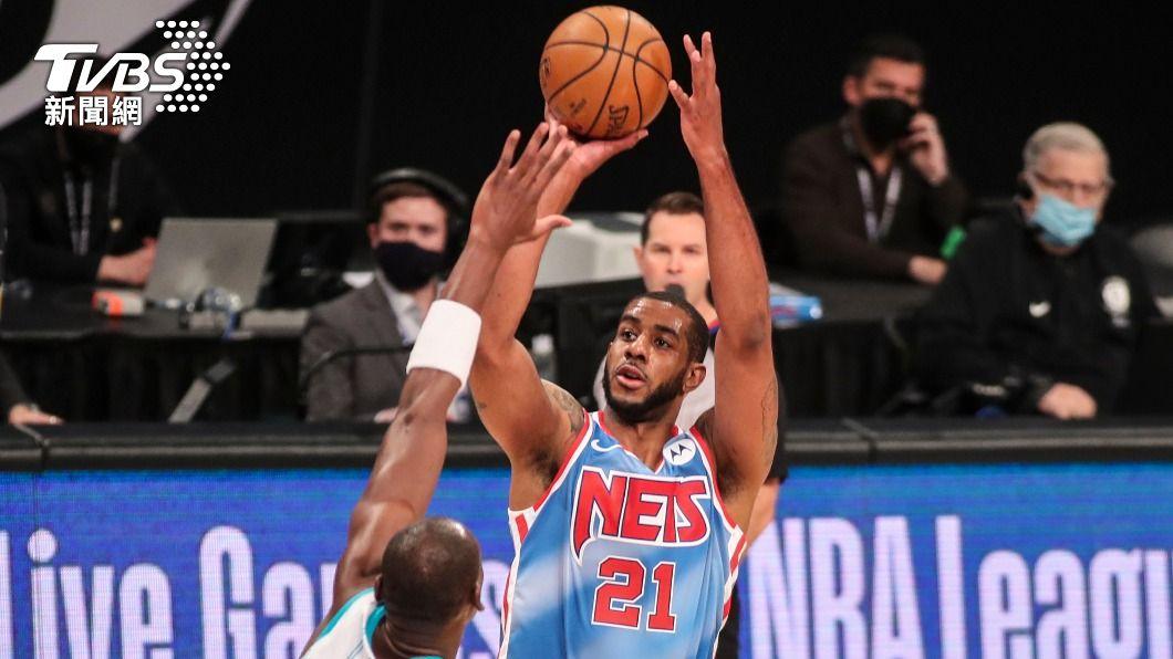 效力於NBA布魯克林籃網隊的大前鋒阿德雷奇宣布結束15年職業生涯。(圖/達志影像路透社) NBA籃網球星阿德雷奇心律不整 宣布結束15年生涯