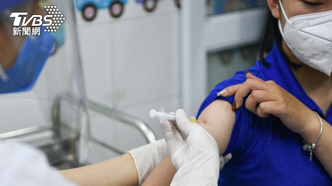 越南推疫苗護照措施。(圖/達志影像路透社) 越南研擬「疫苗護照」 持有者集中與自主隔離7+7