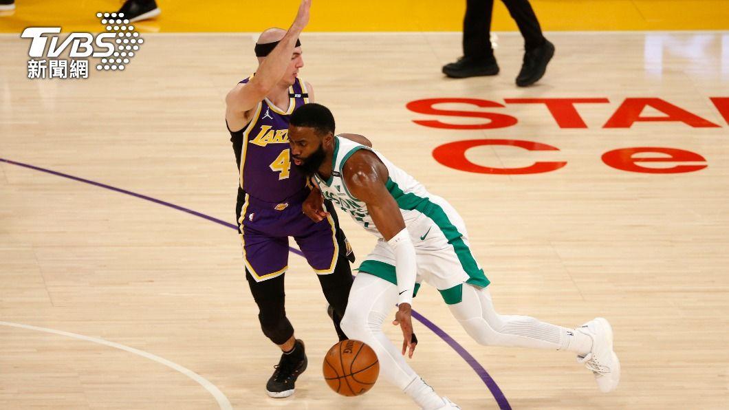 NBA塞爾蒂克布朗砍下40分。(圖/達志影像美聯社) 布朗轟40分 NBA塞爾蒂克擋湖人反撲收5連勝