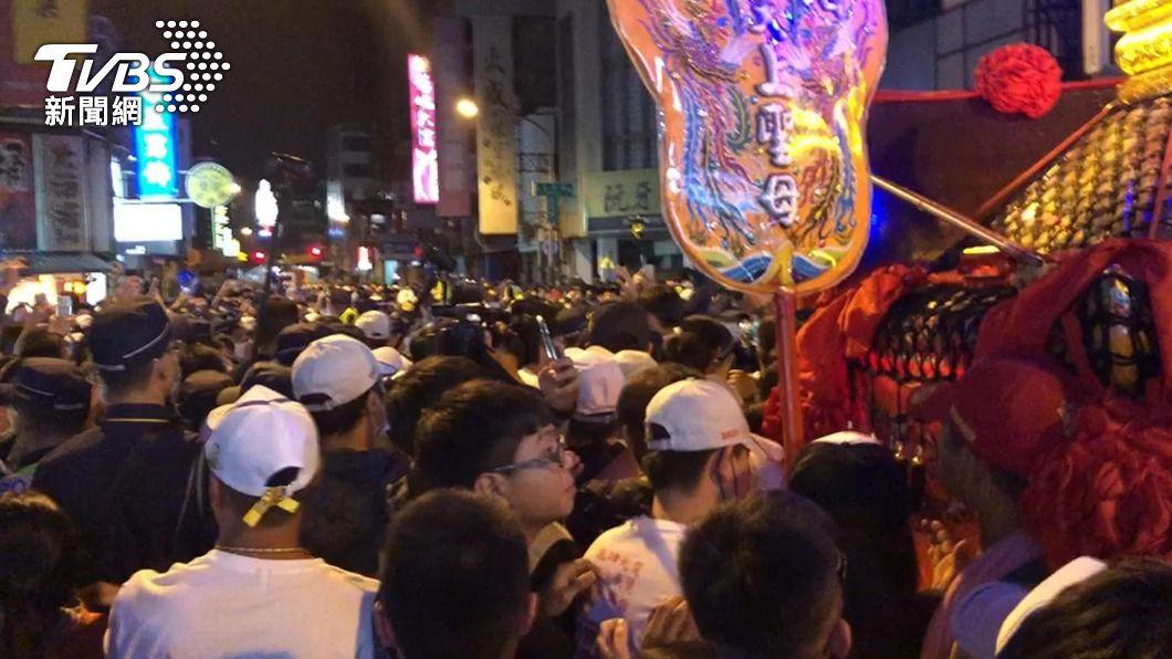 大甲媽彰化市區遶境 人潮多發生推擠衝突