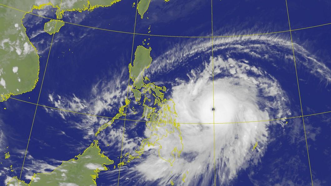 舒力基颱風眼已非常明顯。(圖/中央氣象局) 「舒力基」開眼轉強颱!下週三最近台灣 有望帶來雨勢