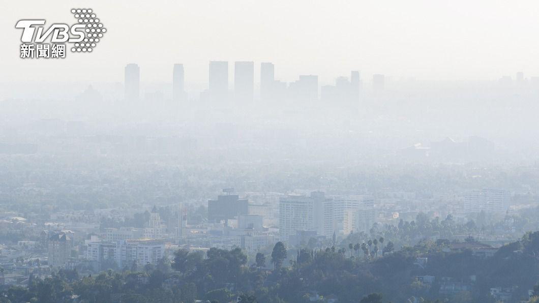 境外污染物加擴散條件差 20測站空品亮紅燈