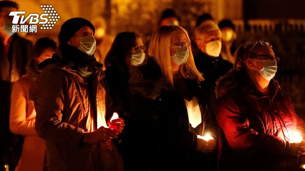 德國將為新冠病歿者舉行全國追思會。(圖/達志影像路透社) 德新冠病歿者逾8萬人 19日舉行全國追思會