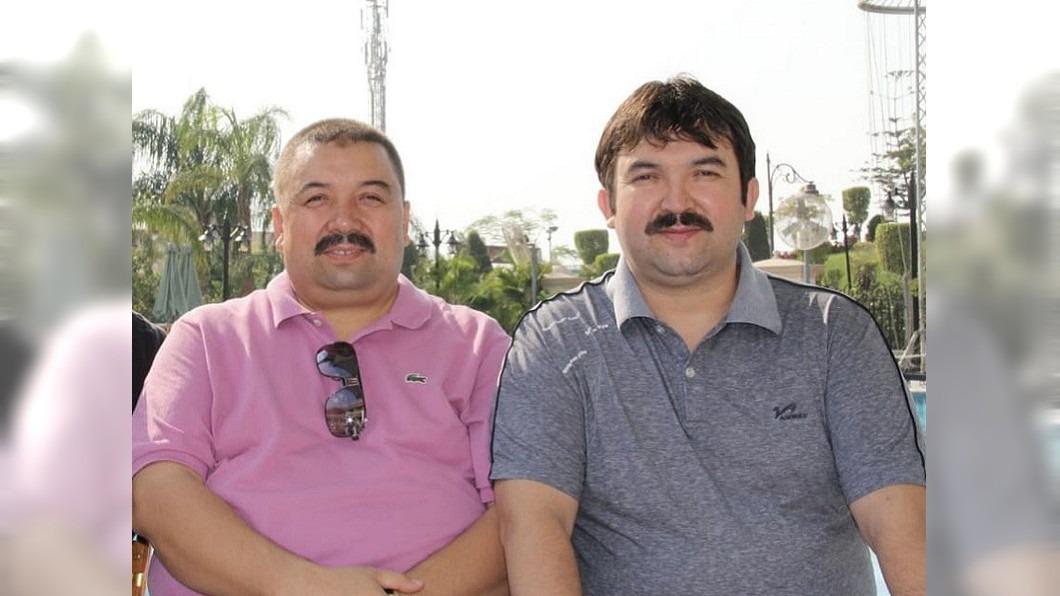 大陸新疆反恐紀錄片指控阿不利米提.阿巴拜克(左)、阿不都艾海提.阿巴拜克(右)為東伊運成員。圖攝於兩人遭監禁前。(阿布都薩拉木.阿不利米提提供)(圖/中央社) 紀錄片合理化集中營 維吾爾家屬控訴「被自白」