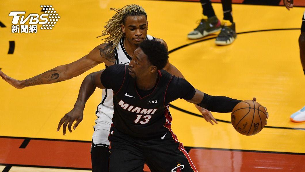 (圖/達志影像路透社) NBA阿德巴約壓哨球建功 熱火險勝籃網
