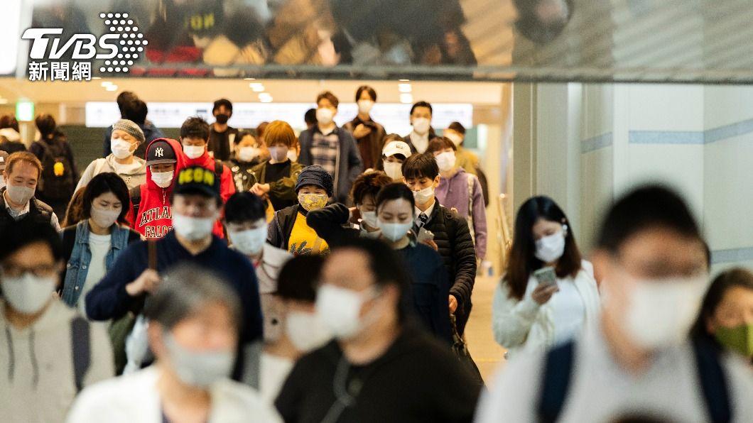 日本大阪新冠肺炎疫情持續擴大。(圖/達志影像美聯社) 大阪防疫重點措施無效 將籲請第3度發布緊急事態