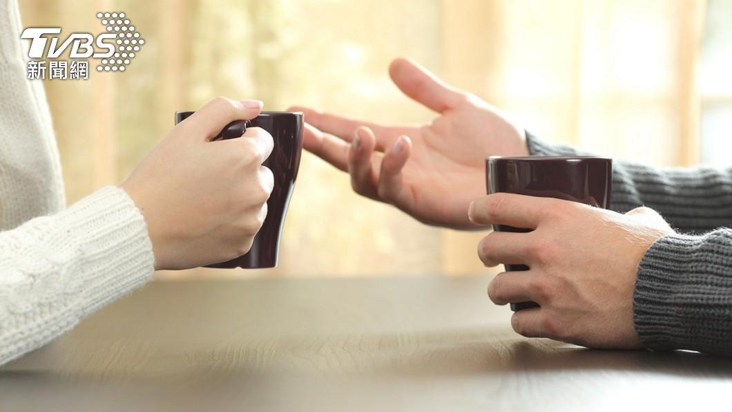 現代許多單身男女會透過相親或聯誼結識異性。(示意圖/shutterstock 達志影像) 陸男相親猛嗑30盤羊肉 「沒付錢閃人」女看傻