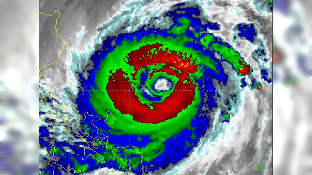 舒力基預計在週四離台灣最近。(圖/翻攝自美國國家海洋暨大氣總署官網) 全台有望降雨!舒力基大規模「引爆水彈」發威時間曝