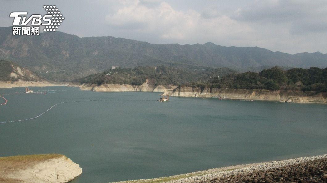 曾文水庫蓄水率續降。(圖/中央社) 增雨有限又放水至烏山頭 曾文水庫蓄水率跌破11%