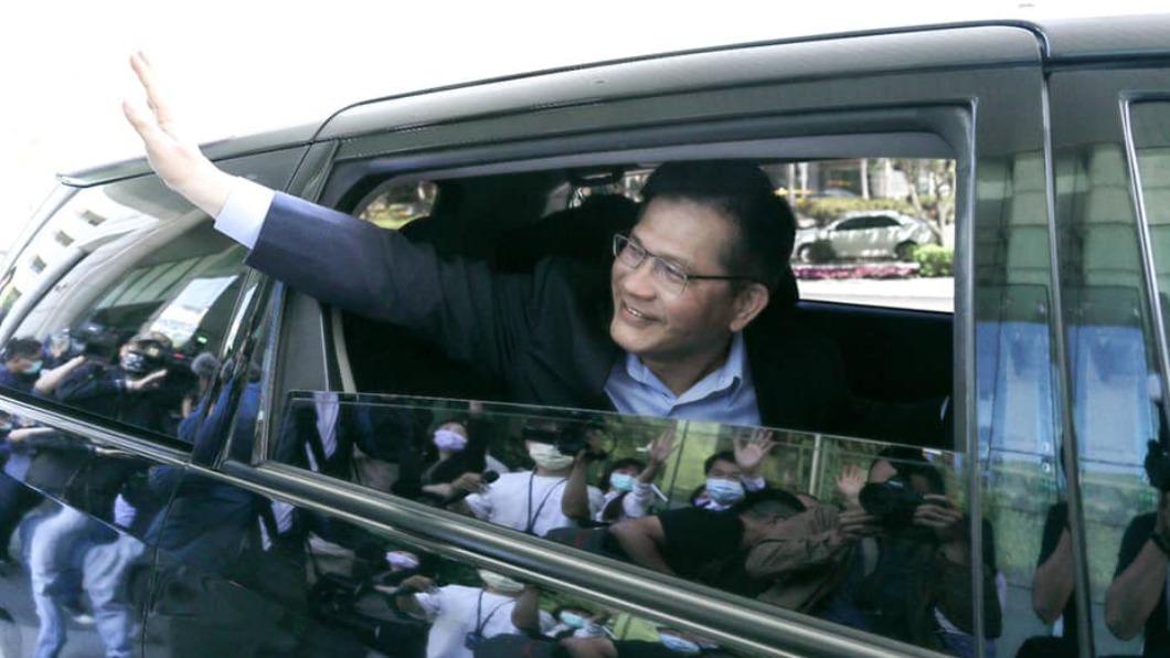 前交通部長林佳龍今日正式卸下職責。(圖/翻攝自林佳龍臉書) 林佳龍卸下重責 含笑吐心聲「路不會白走」:珍重再見