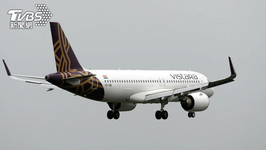 印度航班飛抵香港 機上53名乘客確診新冠