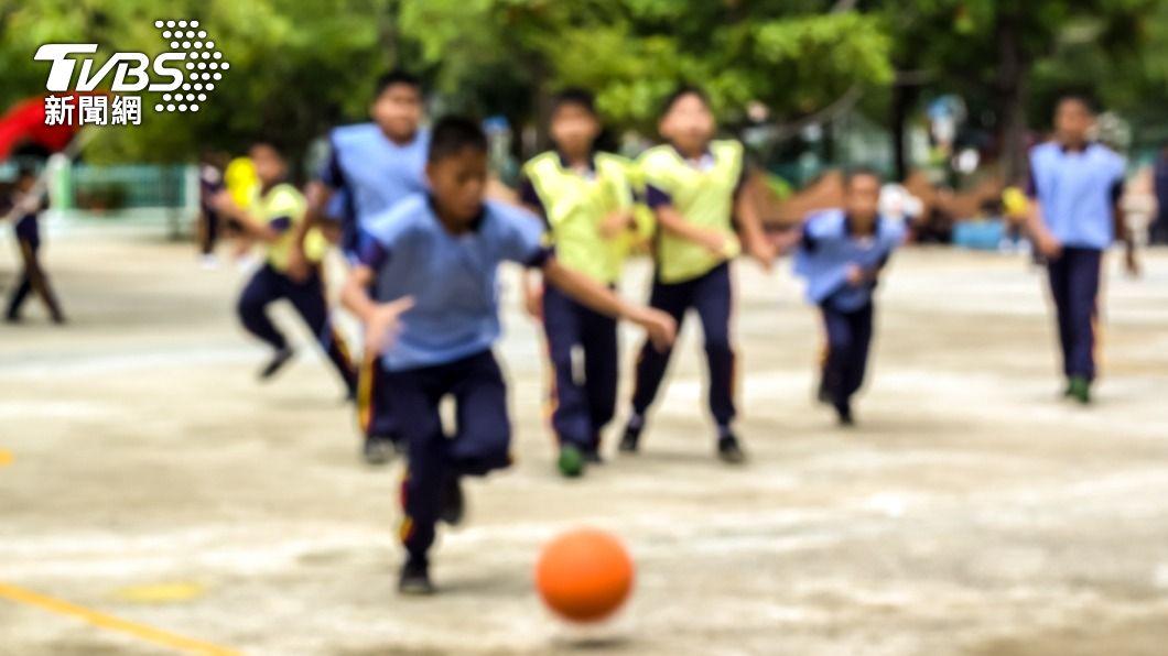 不少人害怕上躲避球課,因容易受傷。(示意圖/shutterstock達志影像) 體育課慘成童年陰影? 網點名2運動:根本折磨