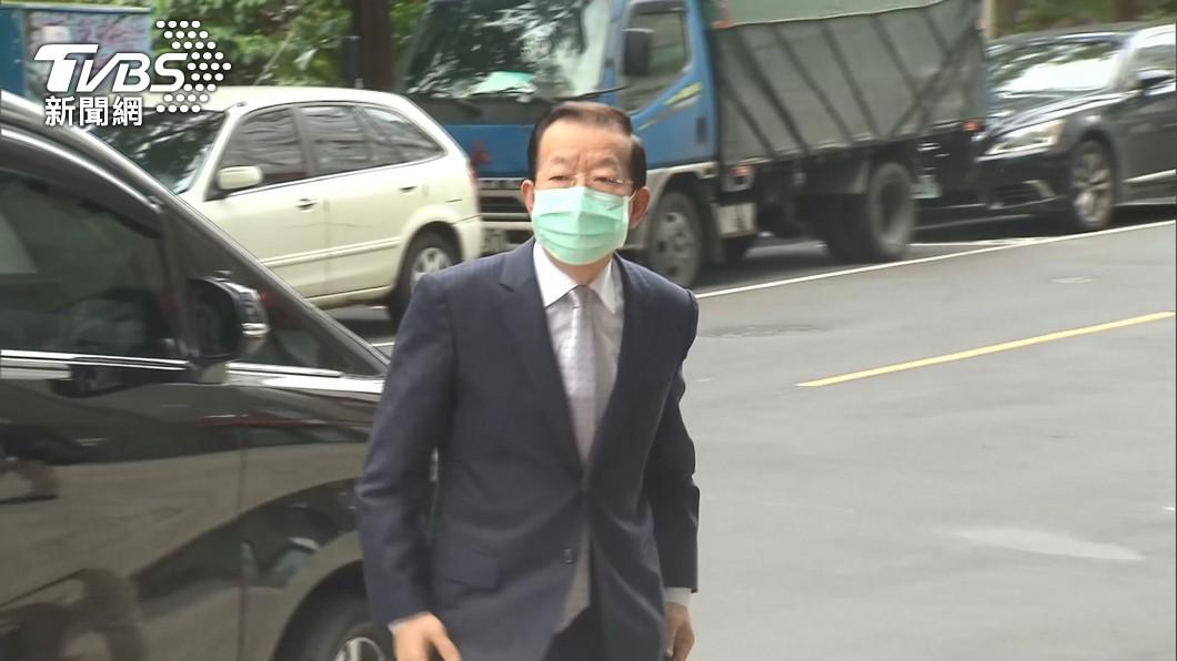 謝長廷日前稱台灣核電廠將含氚核廢水排入海。(圖/TVBS資料畫面) 台灣排含氚核廢水?謝長廷秀證據「若非事實願坐牢」