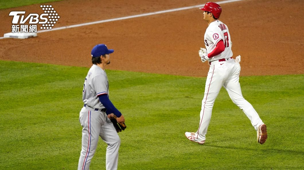 有原航平(左)對戰昔日隊友大谷翔平(右)。(圖/達志影像美聯社) MLB遊騎兵戰天使 有原航平兩度解決大谷摘勝
