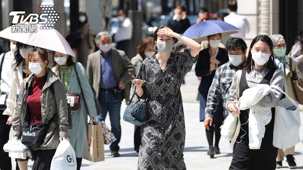 日本疫情持續延燒。(圖/達志影像美聯社) 東京增843人染疫創近期新高 兵庫增563例歷史新高