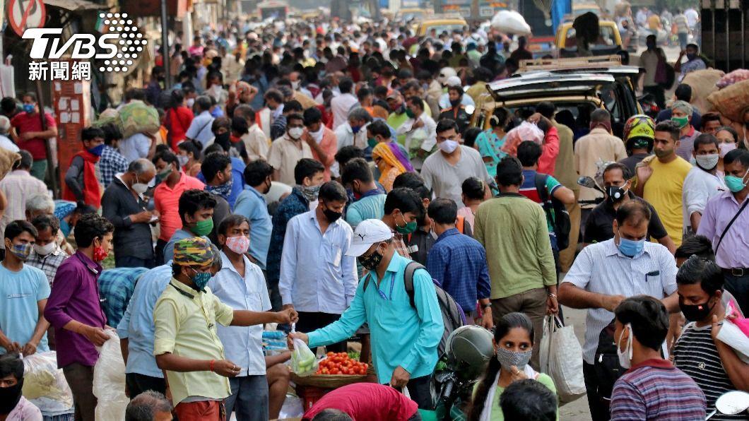 印度疫情惡化單日新近30萬例 病歿逾2千人
