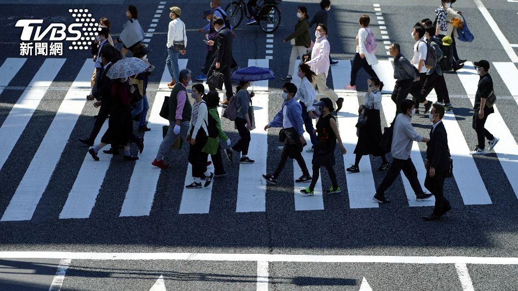 日本疫情仍嚴峻。(圖/達志影像美聯社) 日本擬4/23第3度發布緊急事態 含大阪東京4府縣