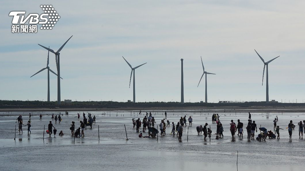 圖為高美濕地。(圖/中央社) 中部海域塑膠微粒污染調查 高美濕地最嚴重