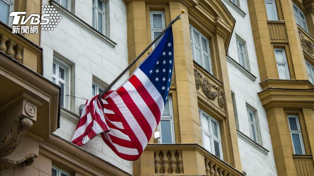 美國駐莫斯科大使館。(示意圖/shutterstock 達志影像) 報復華府制裁 俄羅斯驅逐美使館10名職員