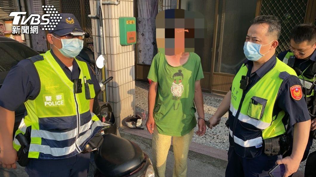 謝嫌酒駕又偷車不到30分鐘就遭警方逮捕。(圖/TVBS) 苗栗慣犯酒後偷車上路 警半小時內逮人2罪一起送辦