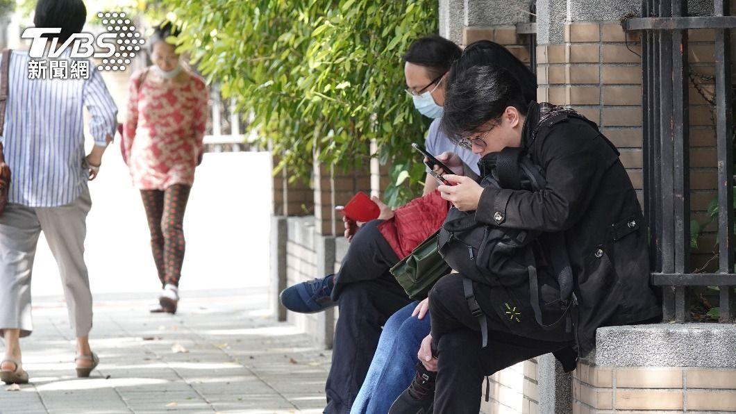 (圖/中央社) 3月失業率3.67% 較2月下降0.03個百分點