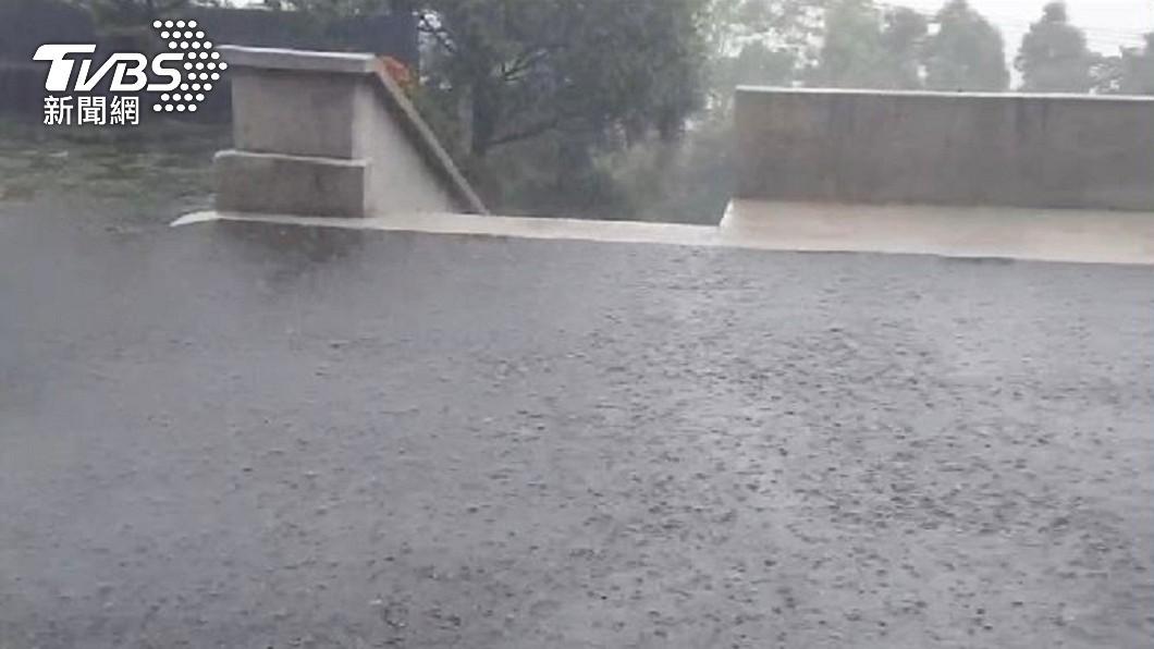 雨來了!屏東升級豪雨特報 2縣市大雨特報
