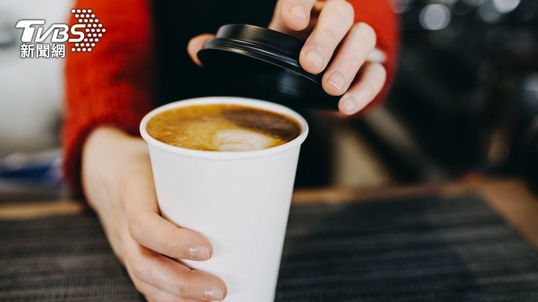多間超商與速食業者推出開工咖啡優惠活動。(示意圖/Shutterstock達志影像) 開工咖啡買1送1、買3送3通通有 限時優惠揪團喝起來