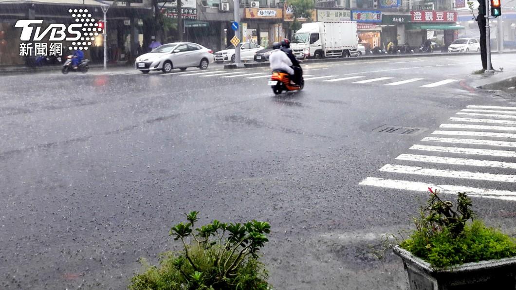2波降雨!週日起連溼5天 1張圖曝「全台雨區」