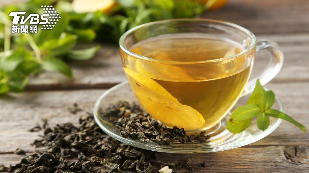 許多廣告都帶入喝茶不易形成體脂肪的標語。(示意圖/shutterstock達志影像) 喝茶不易形成體脂肪?營養師揭「瘦身」十大祕訣