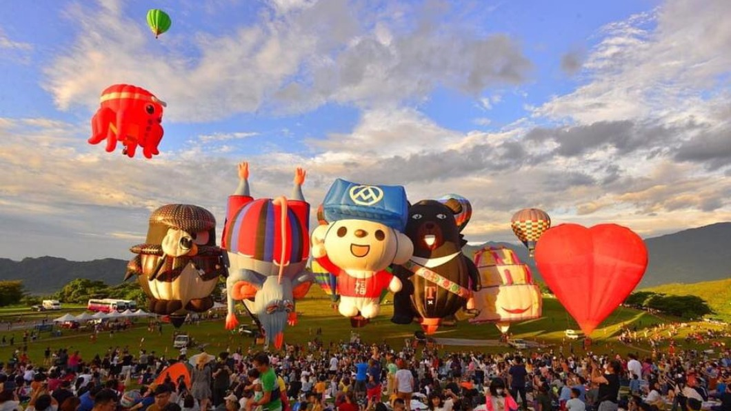 2021年台灣國際熱氣球嘉年華即將在7月登場。(圖/翻攝自臺灣熱氣球嘉年華-Taiwan Balloon Festival臉書) 台東熱氣球嘉年華又來了! 神秘人物下週搶先登場