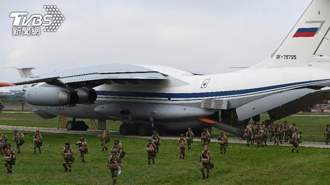 俄羅斯自烏克蘭邊境撤軍。(圖/達志影像美聯社) 俄羅斯自烏克蘭邊境撤軍 但留置重武器備用
