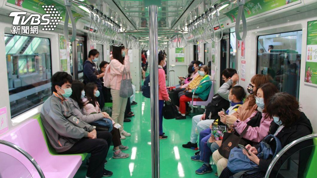 台中捷運綠線通車後,預估首年將虧損新台幣6.5億元。(圖/中央社) 台中捷通車首年估虧6.5億 搭配交通轉乘衝運量