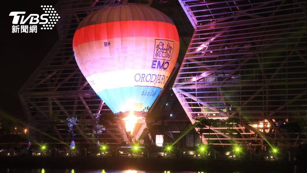 2022台灣燈會在高雄舉辦。(圖/中央社) 2022台灣燈會在高雄 愛河灣試燈照搶先公開