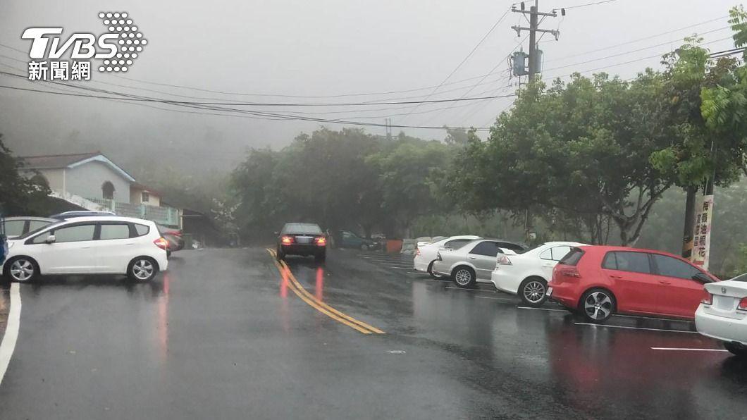 台南楠西梅嶺24日降雨。(圖/中央社) 南部降雨! 水利署:對水情助益有限