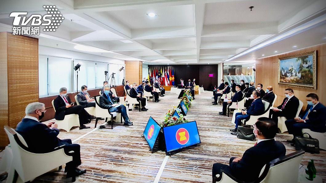 東南亞國家協會於24日就緬甸情勢召開領袖峰會。(圖/中央社) 化解緬甸危機 東協與軍政府商定5點計畫