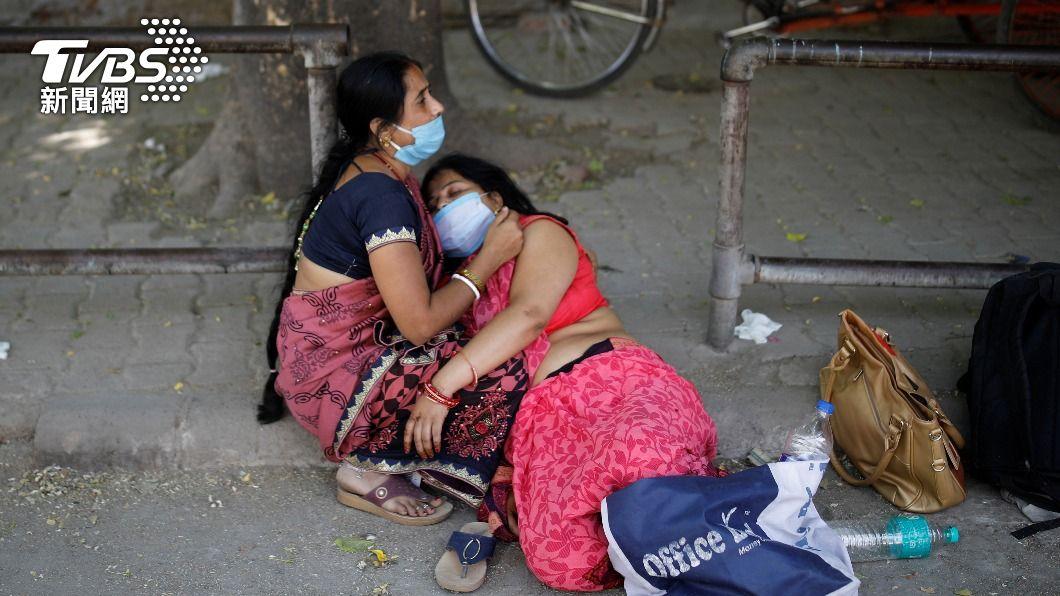 美媒直指印度實際死亡人數是報告的2至5倍。(圖/達志影像路透社) 印度疑瞞報染疫死亡人數 美媒:實際恐多2至5倍