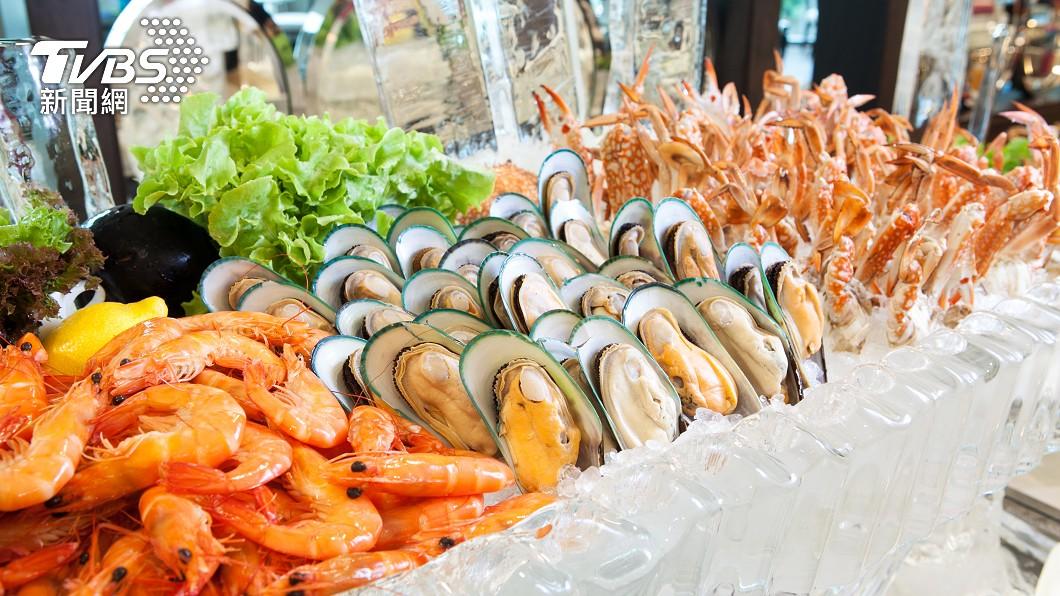 示意圖/shutterstock/達志影像 想吃回本必看!吃到飽「3種海鮮」別碰 佔胃容量又易胖