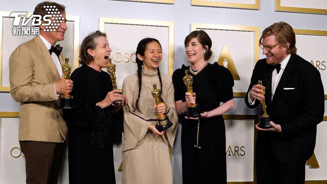 「游牧人生」在本屆奧斯卡拿下「最佳影片」、「最佳導演」及「最佳女主角」3項重要大獎。(圖/達志影像美聯社) 法蘭西絲麥朵曼第3度封后 「游牧人生」獲3座小金人