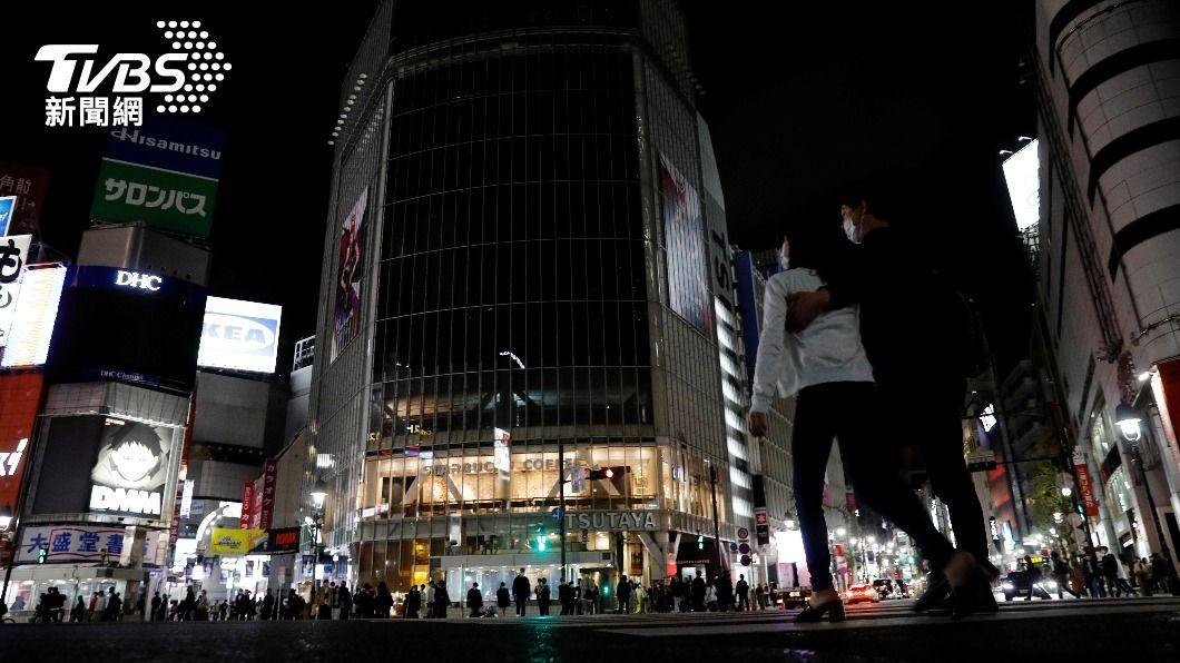 東京3度實施緊急事態宣言。(圖/達志影像路透社) 東京3度緊急事態 居民湧臨縣神奈川購物看電影