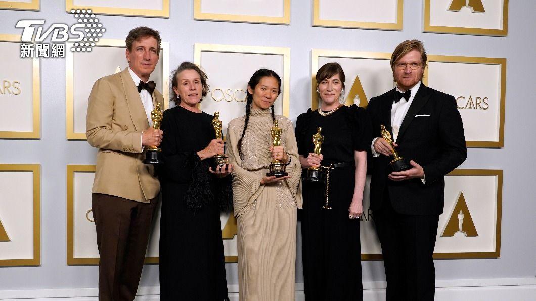 《游牧人生》勇奪奧斯卡3項大獎。(圖/達志影像美聯社) 第93屆奧斯卡 《游牧人生》奪3獎大贏家趙婷創歷史