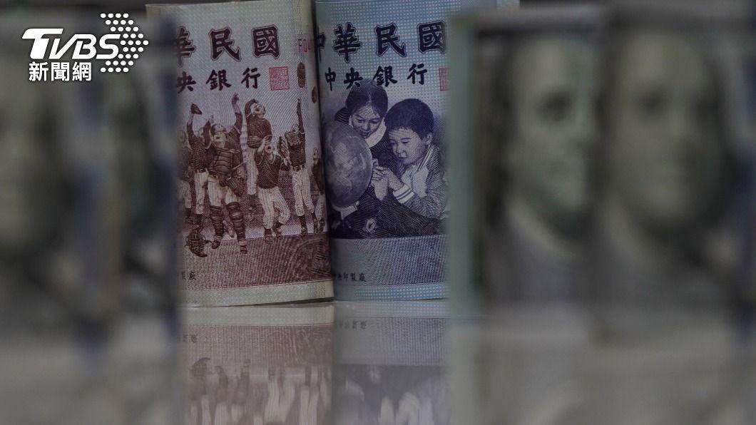 (圖/中央社) 新台幣攻破28元大關 收27.959元衝近24年新高